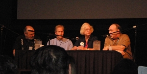 Joe Haldeman to the left, Connie Willis and Mike Resnick on the right